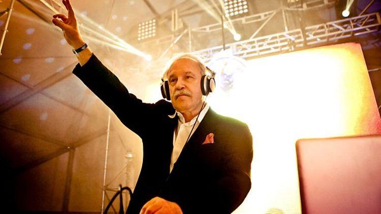 La entrevista a Giorgio Moroder, el DJ más viejo del mundo