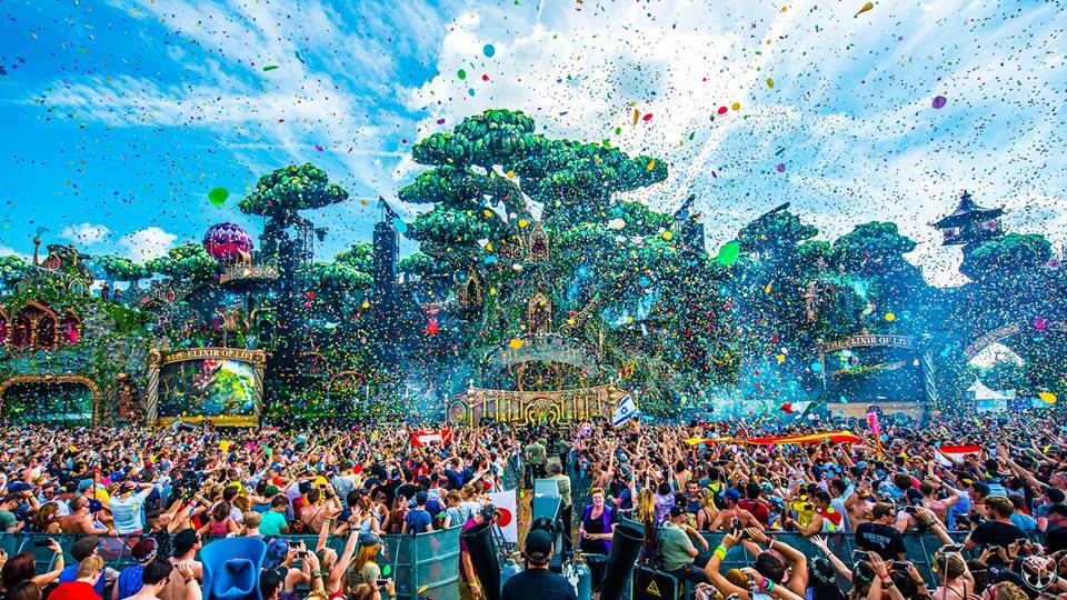 ¡Más de 50 videosets de Tomorrowland 2016!