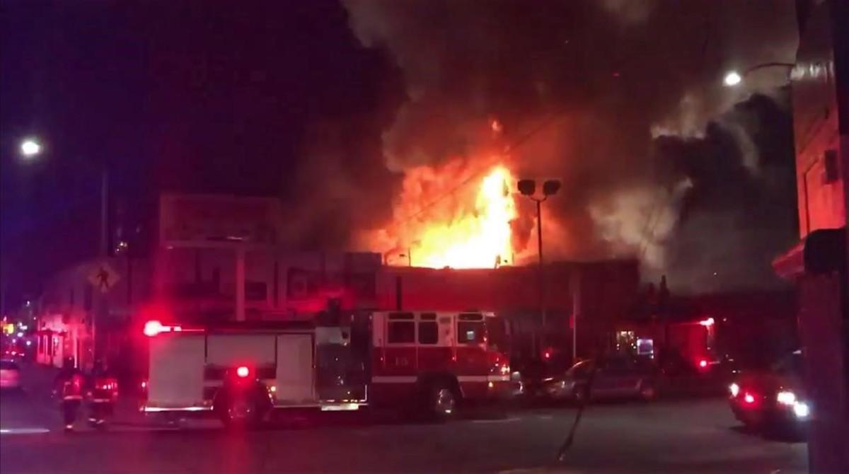Incendio en una rave se salda con, al menos, 9 muertes en California