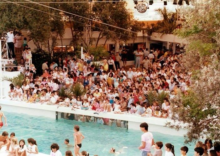 El creador de Trainspotting prepara una serie sobre Ibiza ambientada en los 80