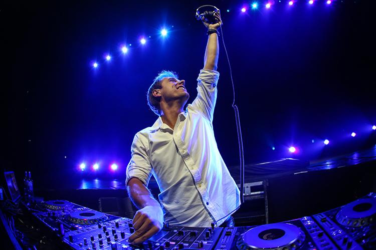 Armin Van Bureen confirma su show U R en Hï Ibiza
