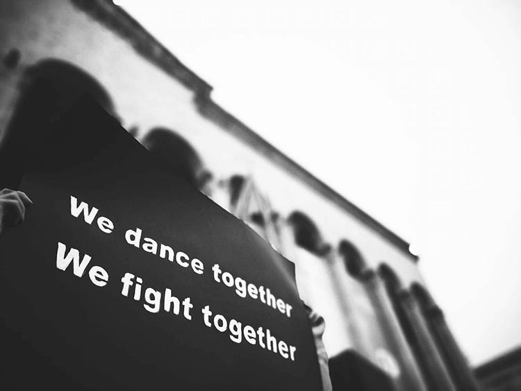 BASSIANI-CAFE-GALLERY-GEORGIA-we-dance-together-we-fight-together