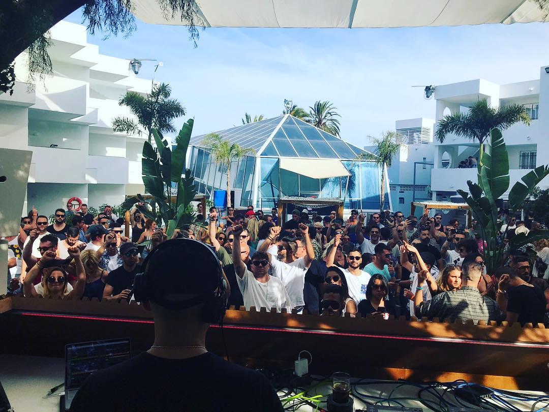 Paco Osuna y Music On hacen vibrar Playa d'en Bossa