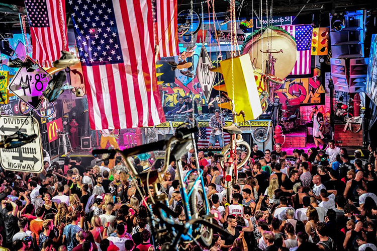 Elrow aterriza en Brooklyn Mirage