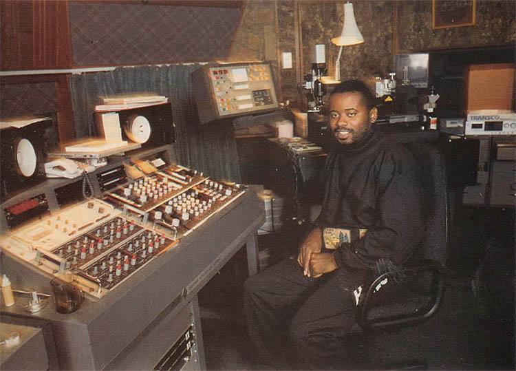 ¿Sabías qué... los pioneros de Detroit y Chicago usaron la MISMA caja de ritmos?