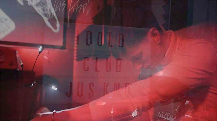 Jus Kno' presenta su redención en Ídolo Club