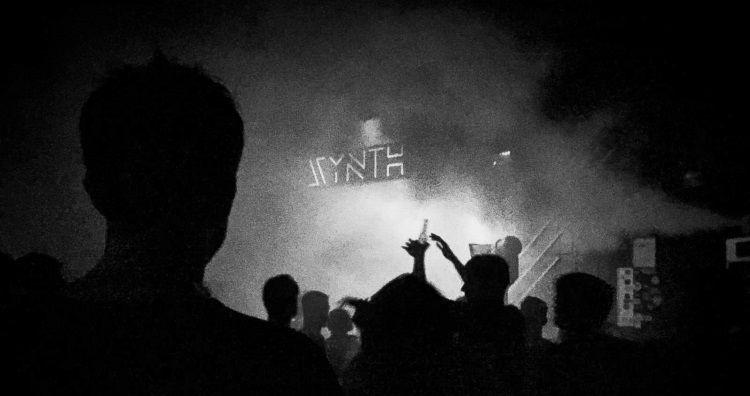 """Synth: """"el templo del sonido, el equipo y el público mantienen viva la esencia"""""""