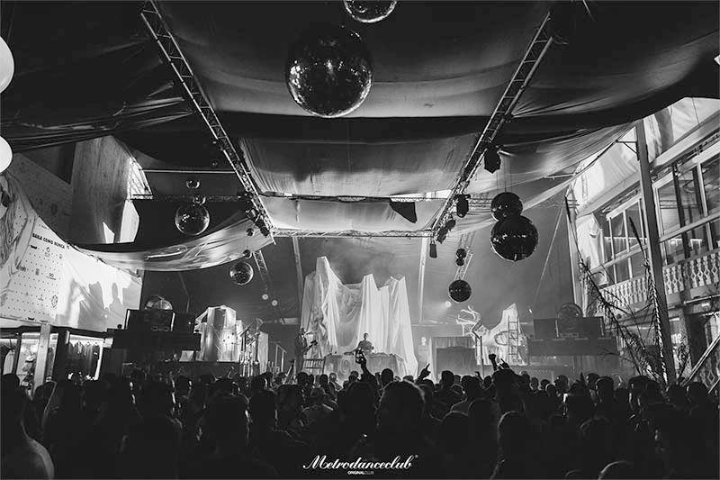 Metro Dance Club: 28 años, 3 días, +70 artistas y mucha cultura de club