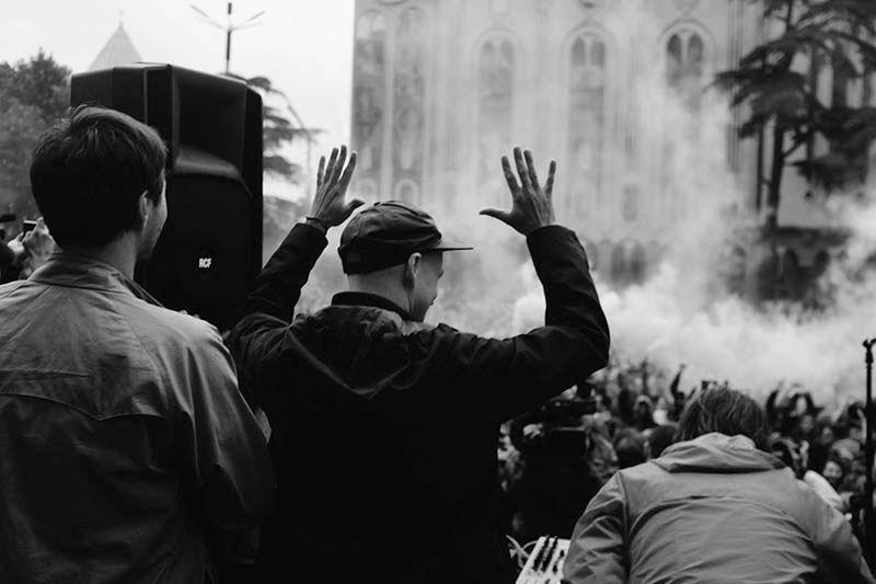 RESIST, REJECT, REVOLT: La música electrónica como herramienta política