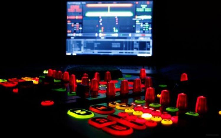Prohibidos los laptops en la cabina del DJ